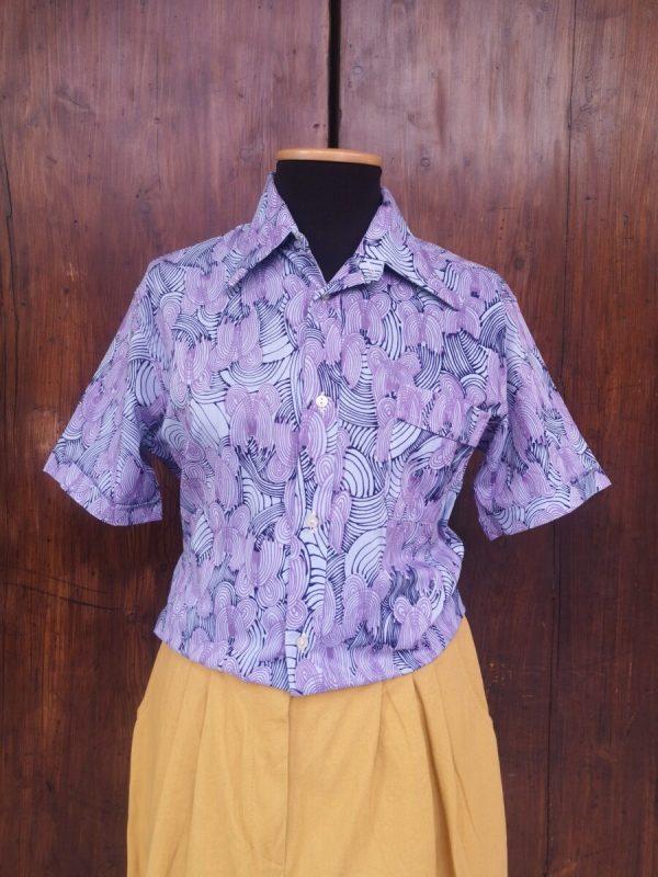 Camicia anni 70 stampa astratta sui toni del lilla