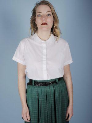 Camicia bianca in puro cotone colletto petaloso