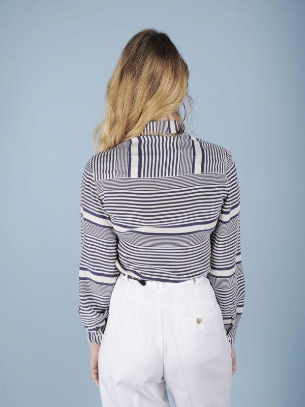 Camicia in pura seta a righe bianche e blu 3