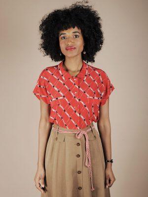 Camicia rossa in seta stampa diagonale