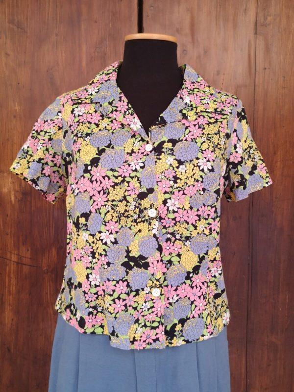 Camicia sartoriale corta a fiori pastello anni 70