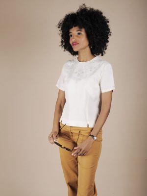 Camicia sartoriale in seta bianca con ricamo