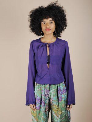 Camicia viola con ampia goccia