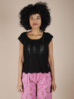 Top crochet nero in cotone fatto a mano