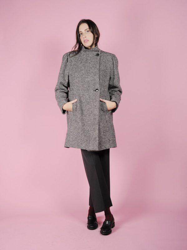 cappotto grigio spigato